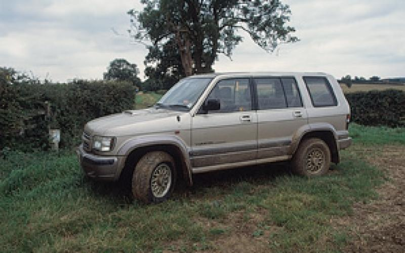 isuzu trooper vehicle test total off road the uk. Black Bedroom Furniture Sets. Home Design Ideas